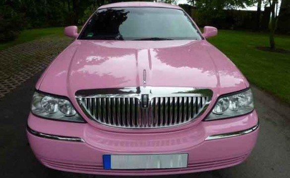 affitta o noleggiatevi la Limousine, a Vallemaggia e in tutta la svizzera,  potrete noleggiare una splendida Limousine per una serata od un evento speciale. Affitto e noleggio di splendide limousine degli ultimi modelli per situazioni speciali.LIMOUSIN